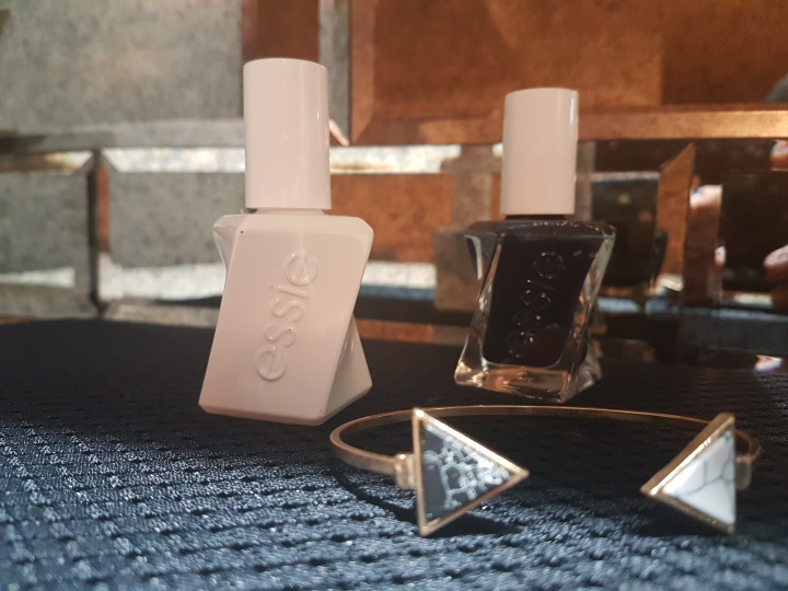 Real Girl Review- Essie Gel Couture